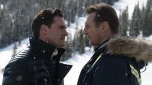 Cold Pursuit: Tom Bateman (Viking) en Liam Neeson (Nels)