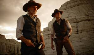 Cowboys & Aliens: Harrison Ford (Col. Woodrow Dolarhyde) en Daniel Craig (Jake Lonergan)