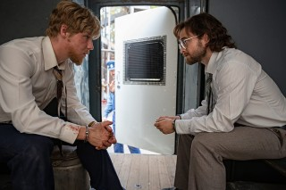 Daniel Webber en Daniel Radcliffe in Escape from Pretoria