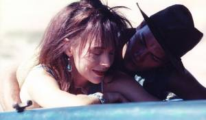 Dark Blood: Judy Davis (Buffy) en River Phoenix (Boy)