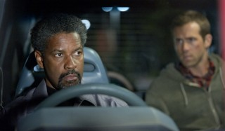 Denzel Washington en Ryan Reynolds in Safe House