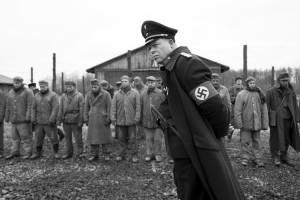 Der Hauptmann: Max Hubacher (Herold)