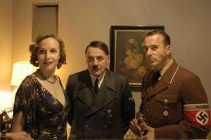 Eva Braun (Juliane Köhler), Adolf Hitler (Bruno Ganz) en Albert Speer (Heino Ferch)