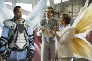Julie Andrews, Dwayne Johnson en Stephen Merchant in Tooth Fairy