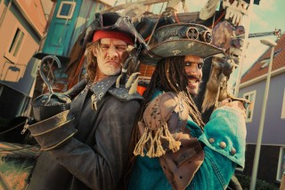 Tygo Gernandt en Egbert Jan Weeber in De Piraten van Hiernaast