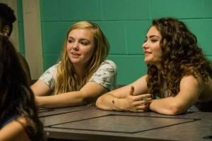 Eighth Grade: Elsie Fisher (Kayla Day) en Emily Robinson (Olivia)
