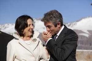 El Presidente: Erica Rivas (Luisa Cordero) en Ricardo Darín (Hernán Blanco)
