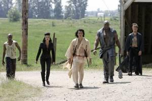 De Ninja's van The Hand maken zich klaar voor het gevecht met Elektra.