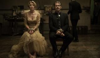 Emma Thompson en Pierce Brosnan in The Love Punch