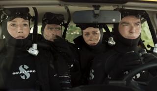 Emma Thompson, Timothy Spall, Celia Imrie en Pierce Brosnan in The Love Punch