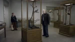 En duva satt på en gren och funderade på tillvaron: Holger Andersson (Jonathan) en Nils Westblom (Sam)