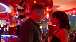 Ethan Hawke en Zoe Kravitz in Good Kill