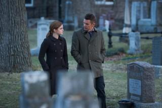 Emma Watson en Ethan Hawke in Regression