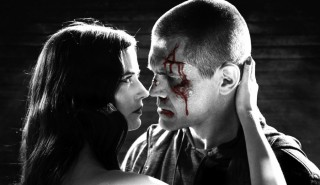 Eva Green en Josh Brolin in Sin City: A Dame to Kill For