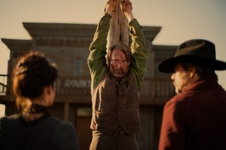 Eva Green, Mads Mikkelsen en Jeffrey Dean Morgan in The Salvation