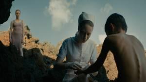 Évolution: Julie-Marie Parmentier (La mère), Roxane Duran (Stella) en Max Brebant (Nicolas)