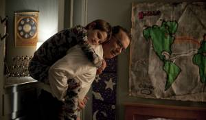 Extremely Loud and Incredibly Close: Thomas Horn (Oskar Schell) en Tom Hanks (Thomas Schell Jr.)