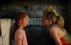 Figlia mia: Sara Casu (Vittoria) en Alba Rohrwacher (Angelica)