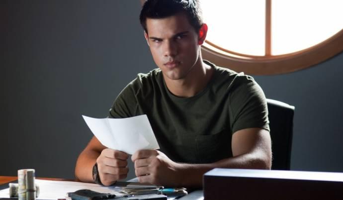 Taylor Lautner (Nathan)