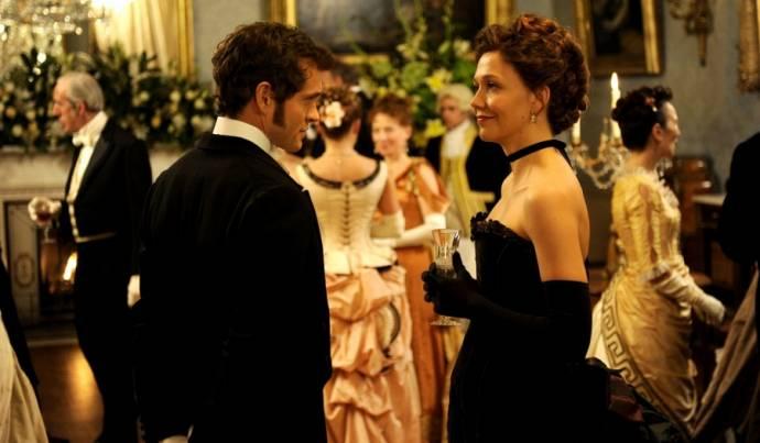 Hugh Dancy (Mortimer Granville) en Maggie Gyllenhaal (Charlotte Dalrymple)