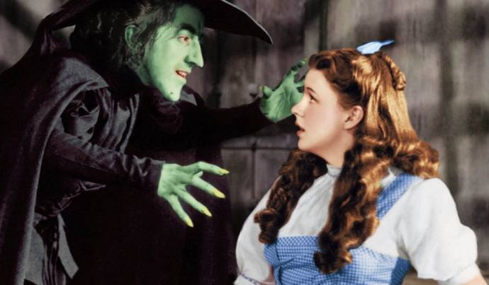 Margaret Hamilton (Miss Gulch) en Judy Garland (Dorothy)