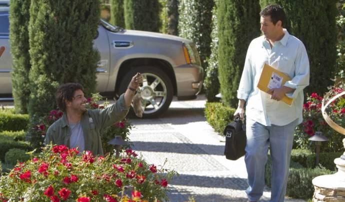 Eugenio Derbez (Felipe / Felipe's Grandma) en Adam Sandler (Jack Sadelstein / Jill Sadelstein)