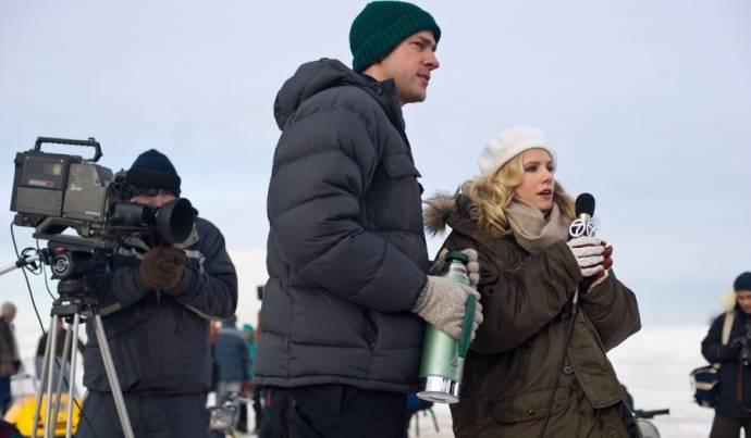 John Krasinski (Adam Carlson) en Kristen Bell