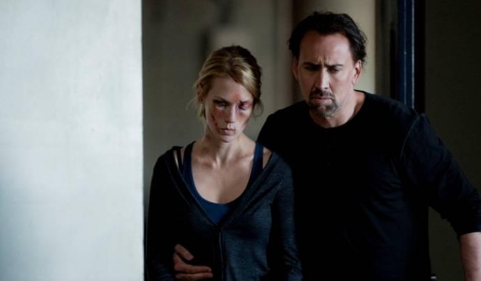 January Jones (I) (Laura Gerard) en Nicolas Cage (Will Gerard)