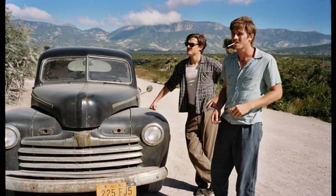Garrett Hedlund (Dean Moriarty) en Sam Riley (Sal Paradise)