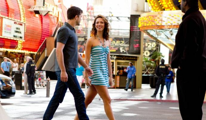 Joshua Jackson (Jeremy) en Rebecca Hall (Beth Raymer)