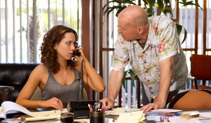 Rebecca Hall (Beth Raymer) en Bruce Willis (Dink Heimowitz)