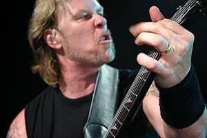James Hetfield in IFC Films' Metallica: Some Kind of Monster