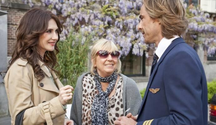 Carice van Houten (Winnie de Roover), Willeke Alberti (Lucy) en Chris Zegers (Skipper)
