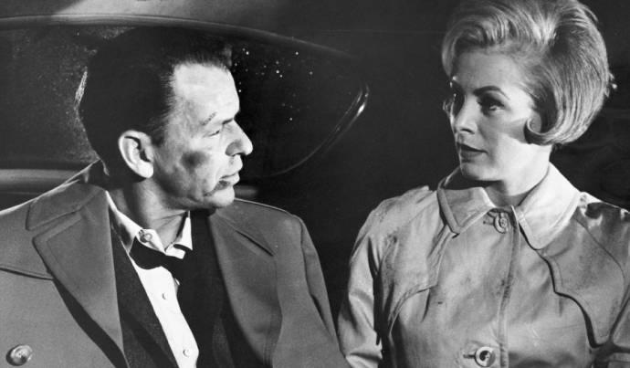 Frank Sinatra (Capt./Maj. Bennett Marco) en Janet Leigh (Eugenie Rose Chaney)