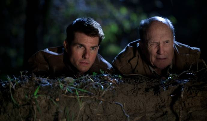 Tom Cruise (Jack Reacher) en Robert Duvall (Cash) in Jack Reacher
