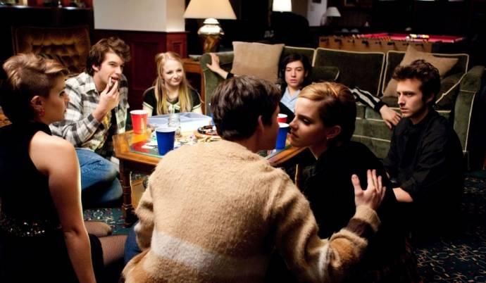 Logan Lerman (Charlie) en Emma Watson (Sam)
