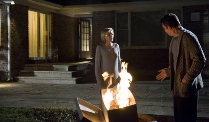 Ethan Hawke (Ellison) en Juliet Rylance (Tracy)