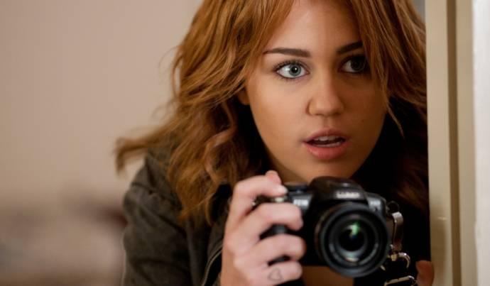 Miley Cyrus (Molly)