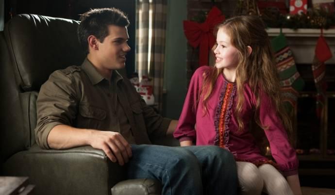 Taylor Lautner (Jacob Black) en Mackenzie Foy (Renesmee)