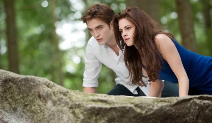 Robert Pattinson (Edward Cullen) en Kristen Stewart (Bella)