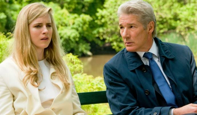 Brit Marling (Brooke Miller) en Richard Gere (Robert Miller)