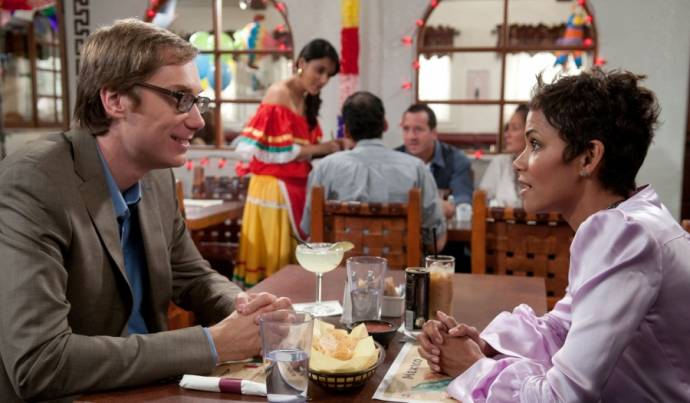 Stephen Merchant (Donald) en Halle Berry
