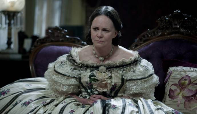 Sally Field (Mary Todd Lincoln)