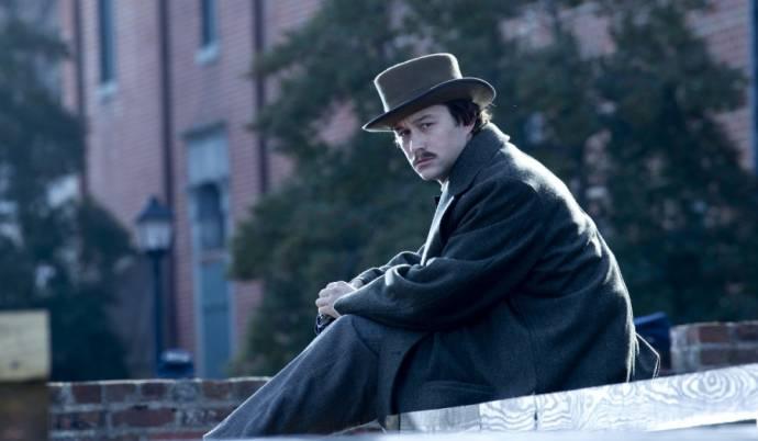 Joseph Gordon-Levitt (Robert Lincoln)