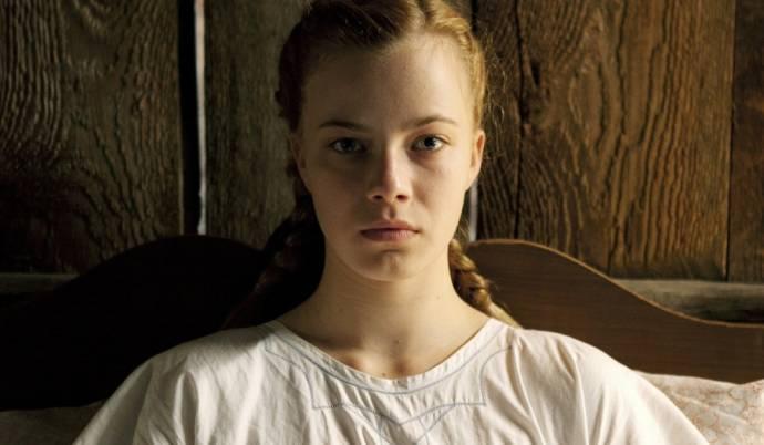 Saskia Rosendahl (Lore)