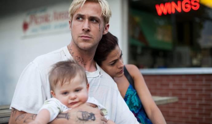 Ryan Gosling (Luke) en Eva Mendes (Romina)