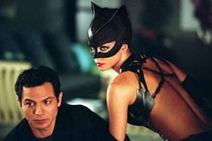 Halle Berry (Patience Phillips/Catwoman) en Benjamin Bratt (Tom Lone)