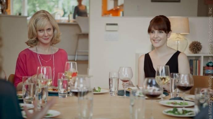 Blythe Danner (Ruth) en Melanie Lynskey (Amy)