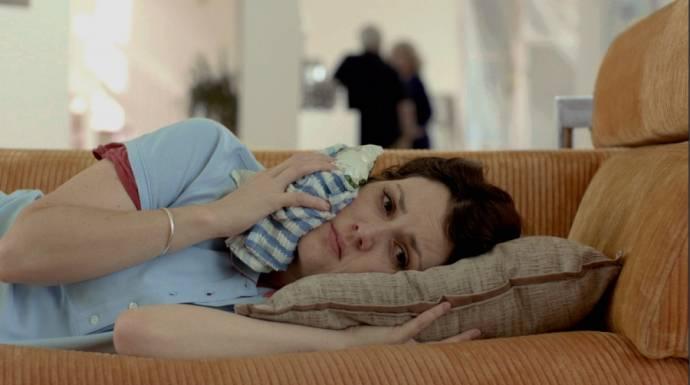 Melanie Lynskey (Amy)