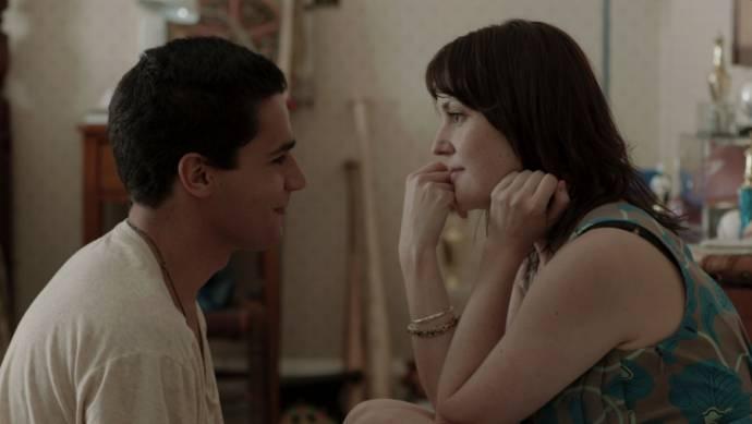 Christopher Abbott (Jeremy) en Melanie Lynskey (Amy)